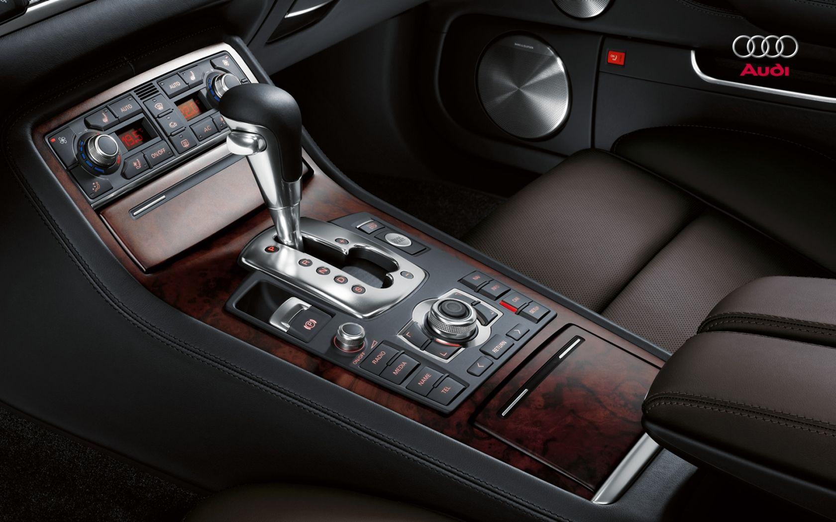 Audi A8 D3   Interior 1680x1050