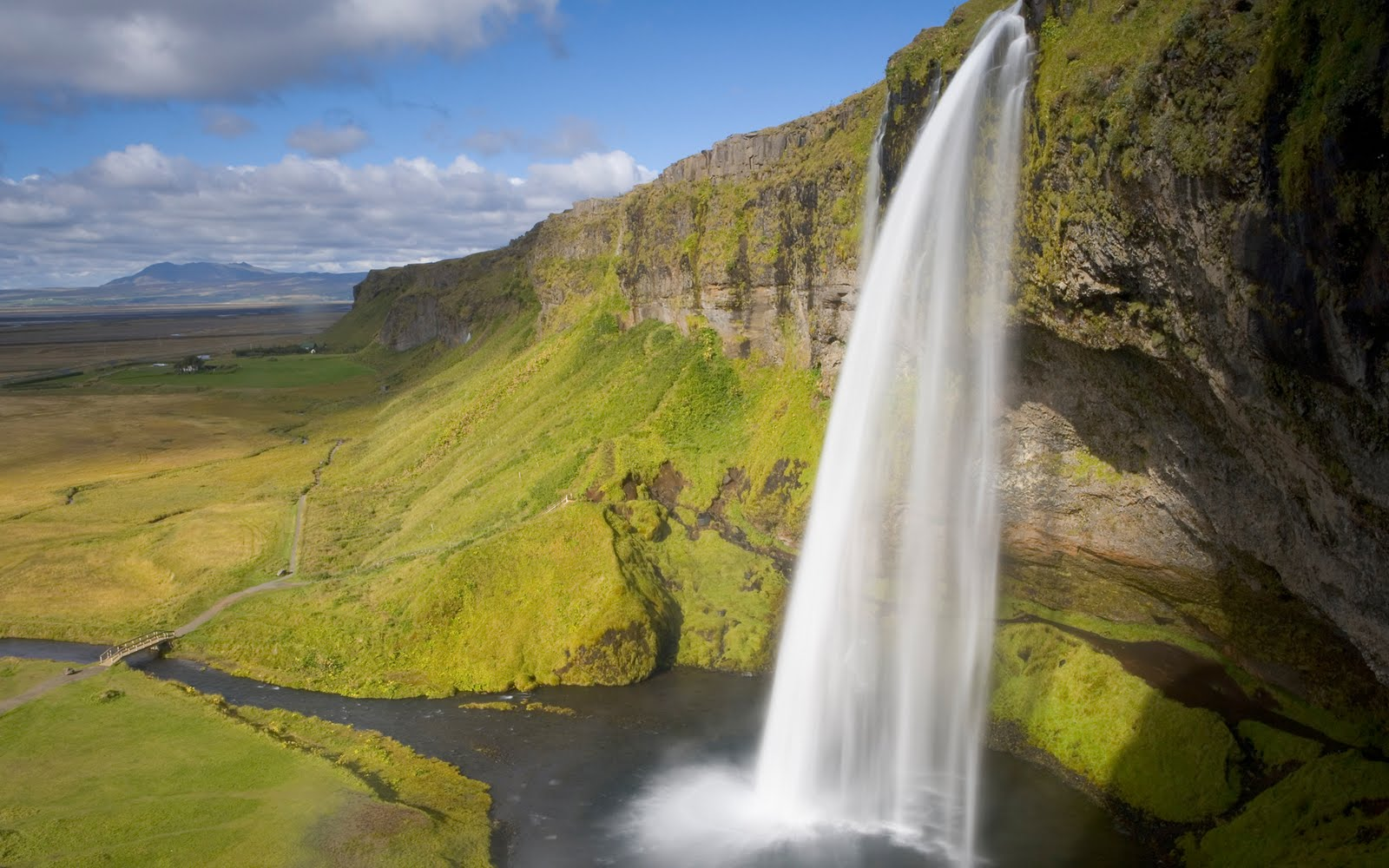 Acer Wallpapers here you can see Natural Waterfall Acer Wallpapers 1600x1000