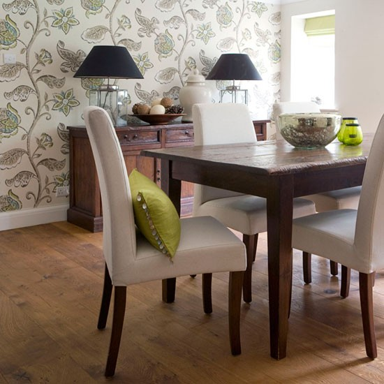 Big and bold floral wallpaper Use wallpaper to create dining rooms 550x550