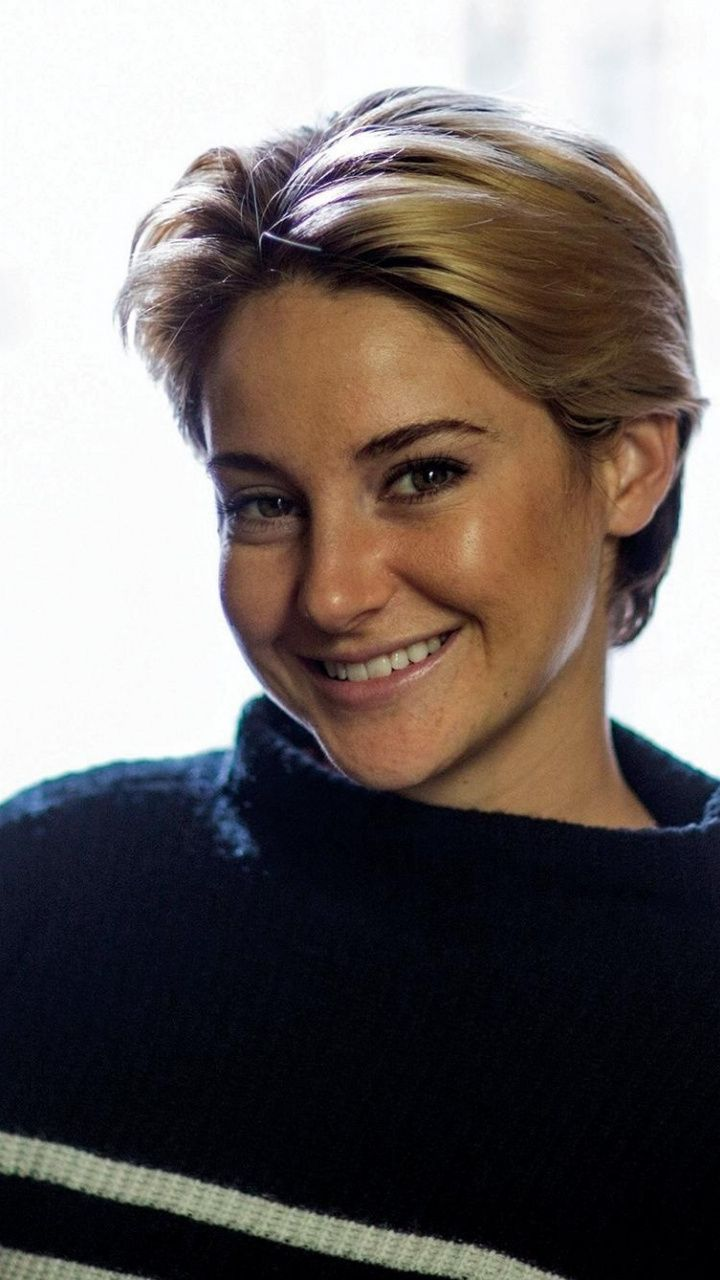 Smile short hair actress Shailene Woodley 720x1280 wallpaper 720x1280