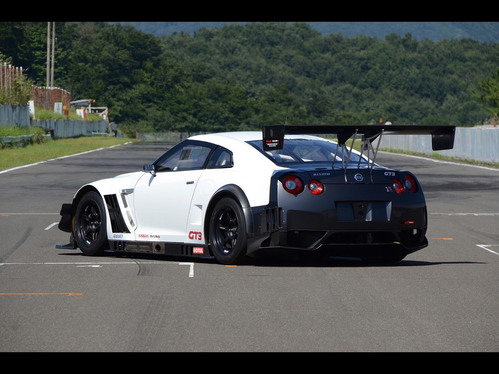 2015 Nissan GT R Nismo HD Wallpapers 1600x1200