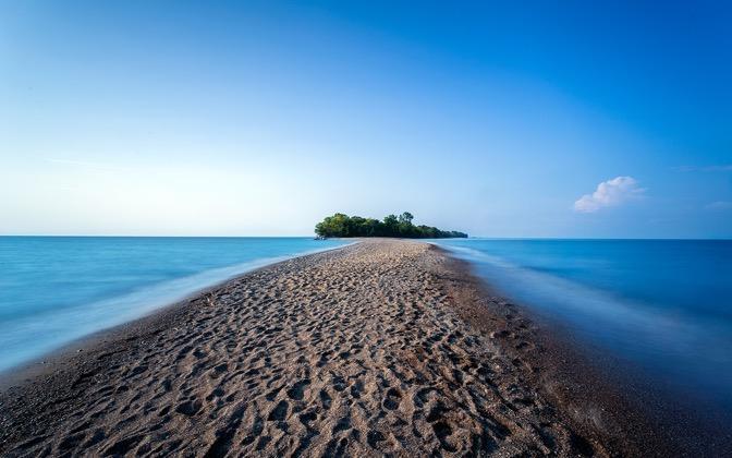 High resolution desktop wallpaper Lonely Island by fallenflowers 672x420