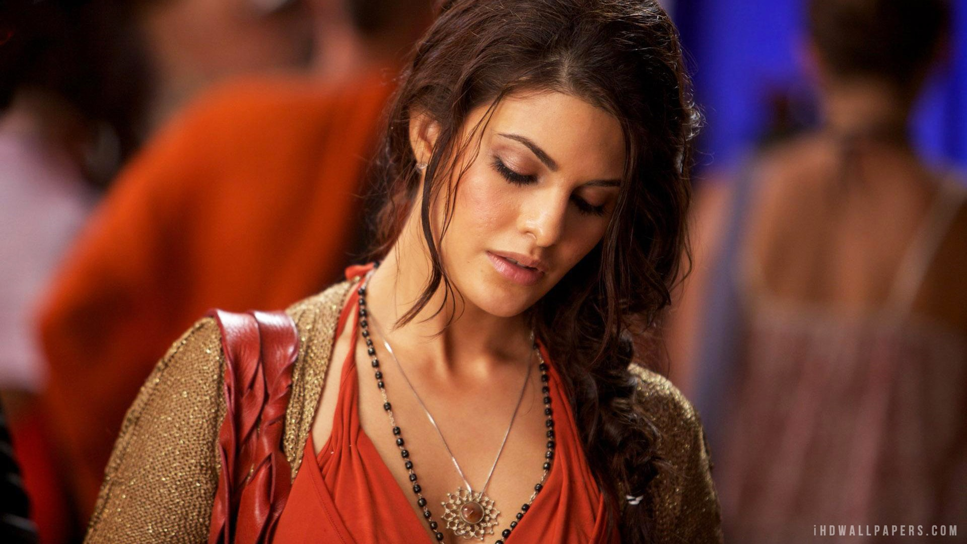 Jacqueline Fernandez Hot HD Wallpaper - iHD Wallpapers