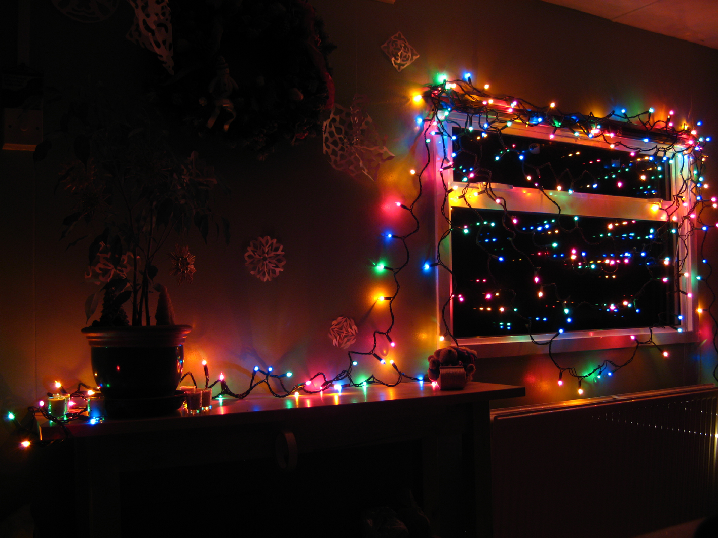Led Christmas Lights 7 Desktop Wallpaper   Hivewallpapercom 1417x1063