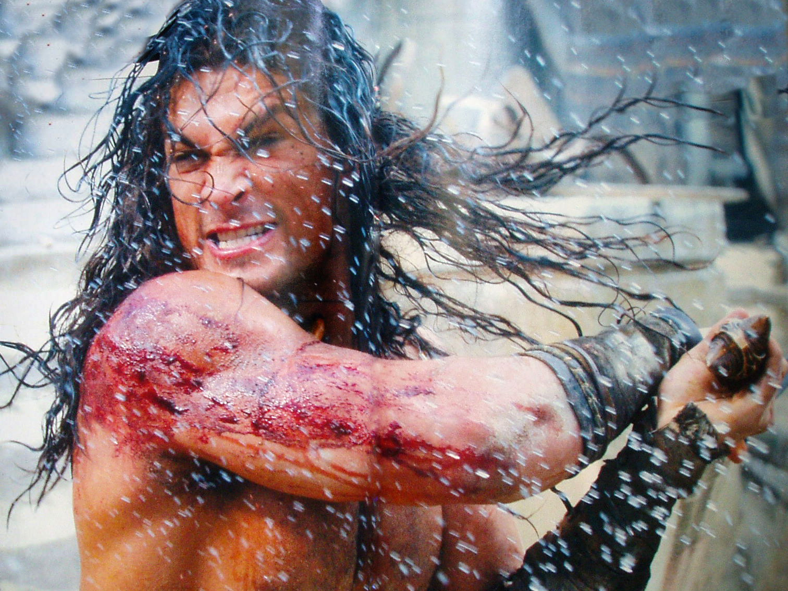 bite Jason Momoa wallpaper 2560x1920
