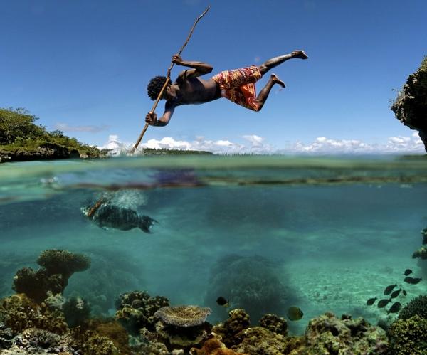 fishing fish fishing spears hunting hunt stabbing 1208x1005 wallpaper 600x499
