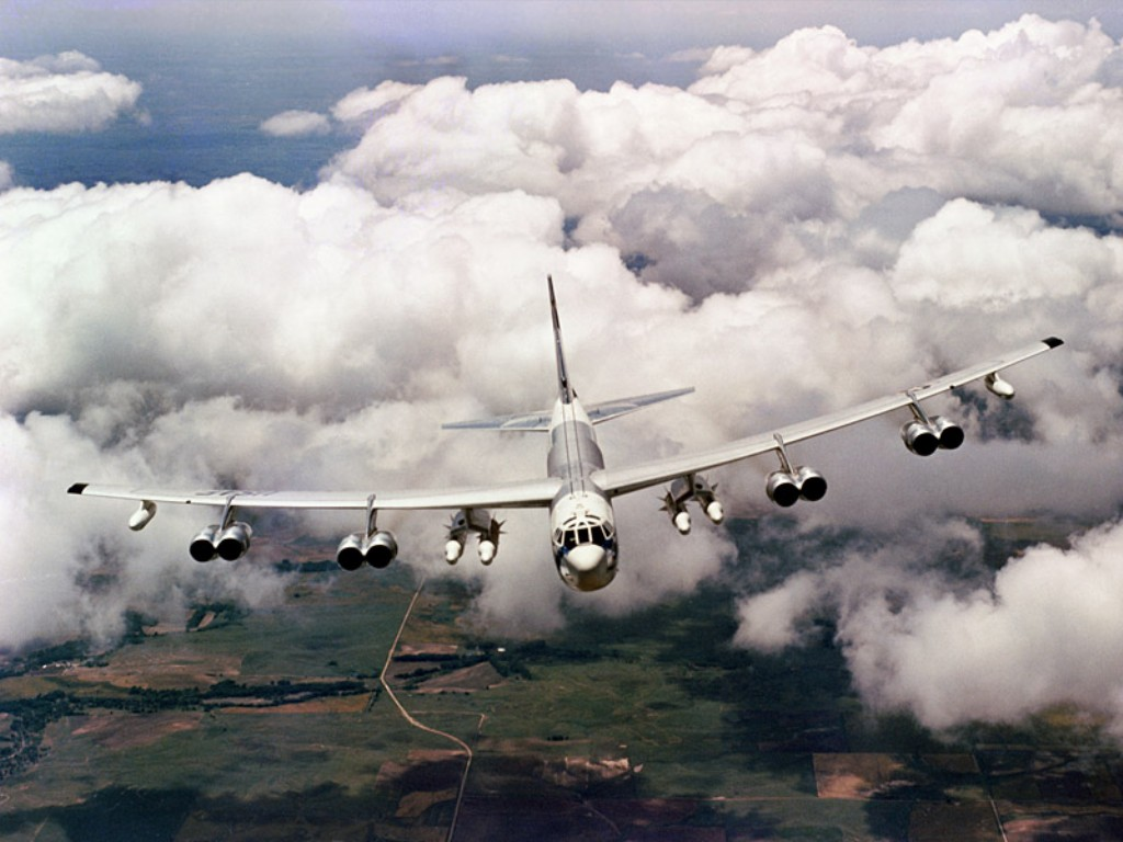 52 Stratofortress Long Range Bomber Military Aircraft Pictures 1024x768