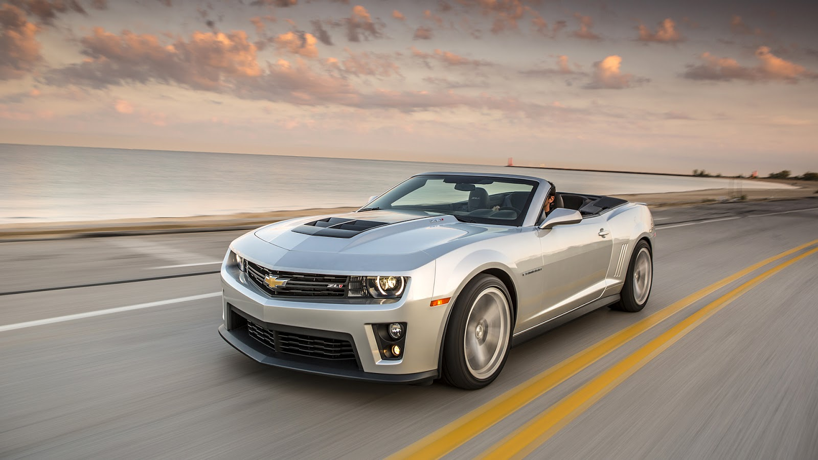Chevrolet Camaro ZL1 in Triple White Wallpapers Wallpaper 3979 1600x900