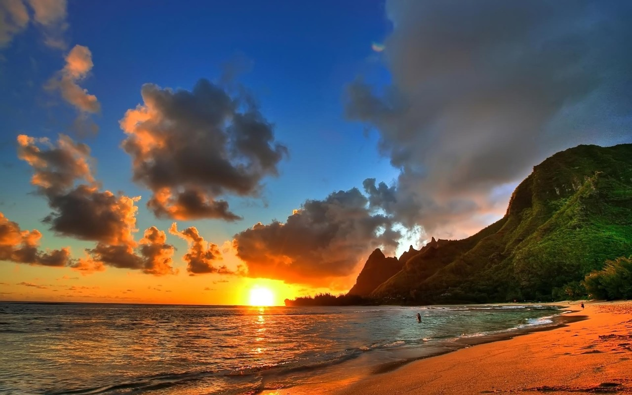 hawaiian beach at night image Business Class Backpacker Photography 1280x800