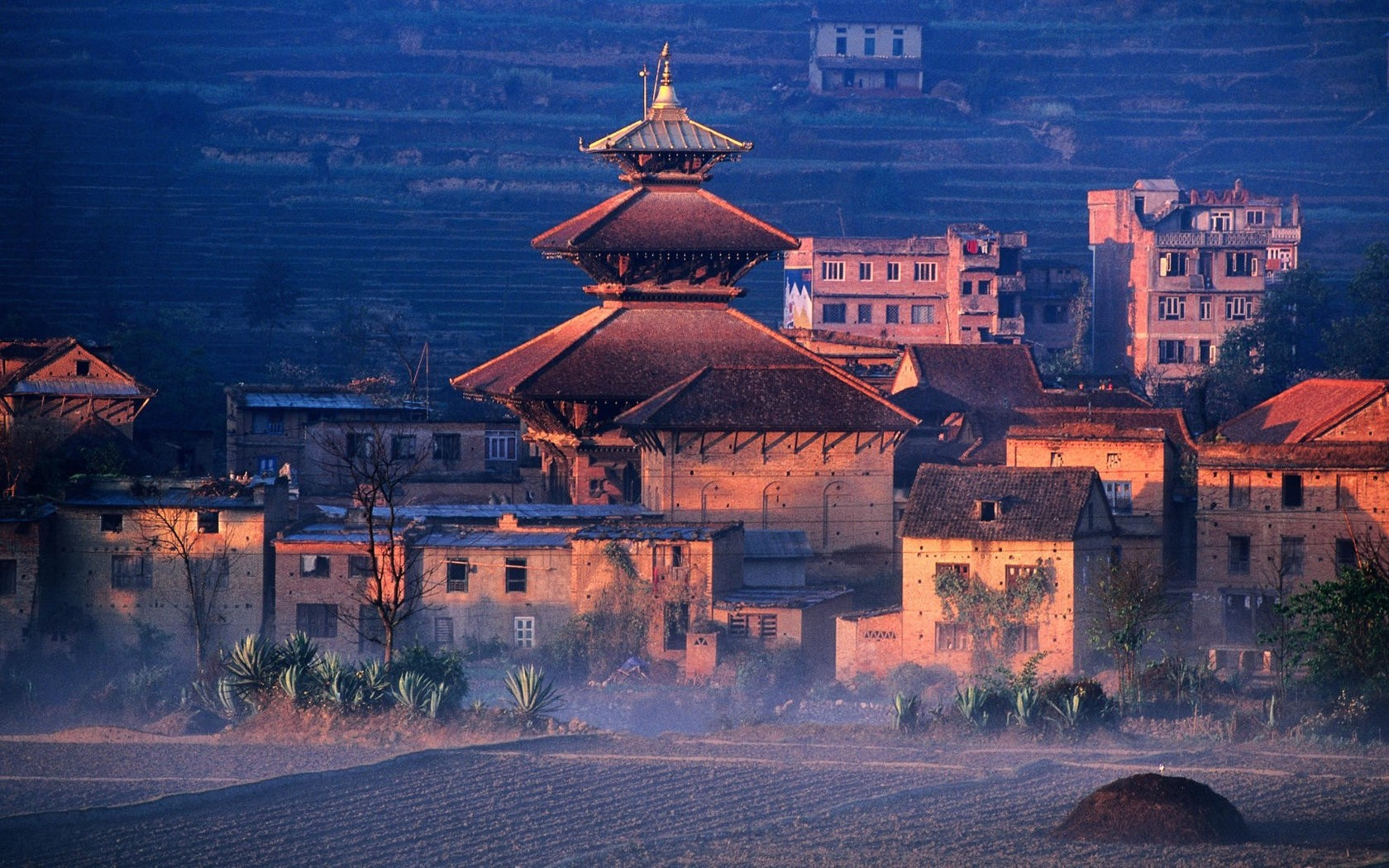 Nepal wallpaper 12781 1680x1050