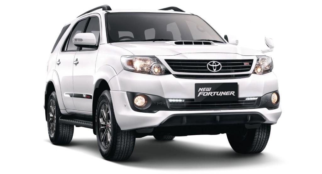 2014 Toyota Fortuner   Showing 2014 Toyota Fortuner 3jpg 1024x553