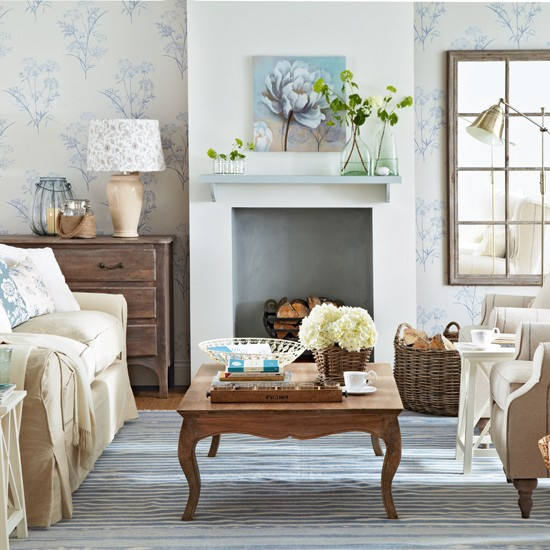 Pale blue and cream floral living room Living room decoration 550x550