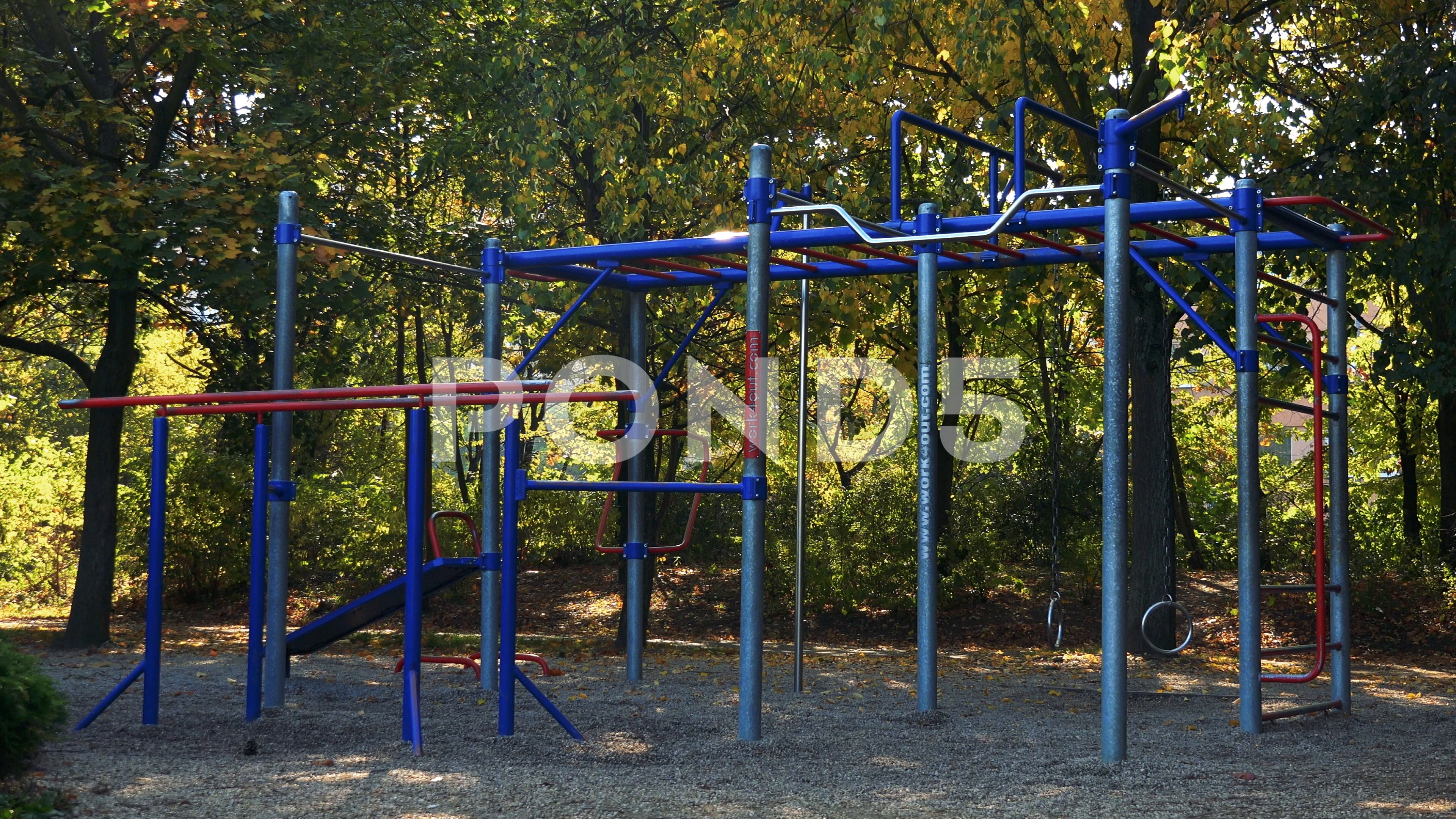 Video A calisthenics outdoor gym   trees in the background 3840x2160