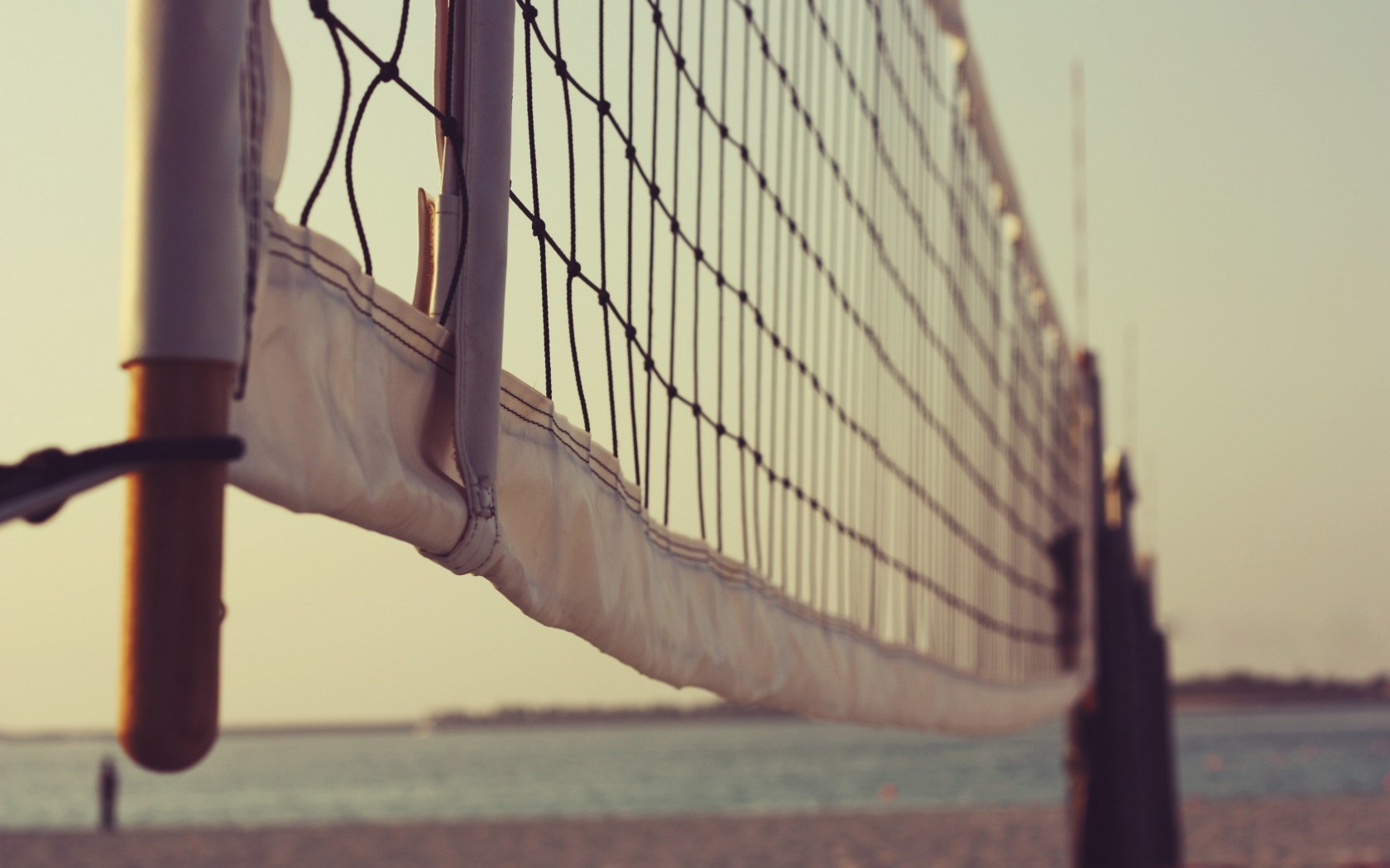 You Can download Volleyball Beach Hd Wallpapers and Pictures Form 1680x1050