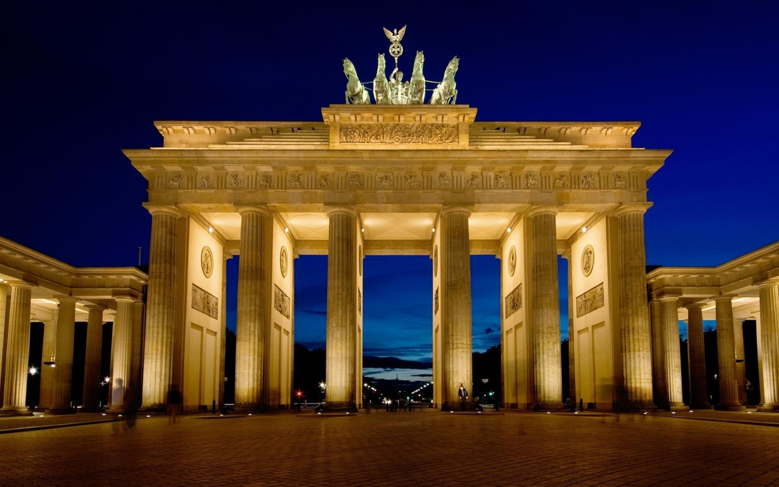 Brandenburg Gate Berlin Germania Wallpaper 2560x1600