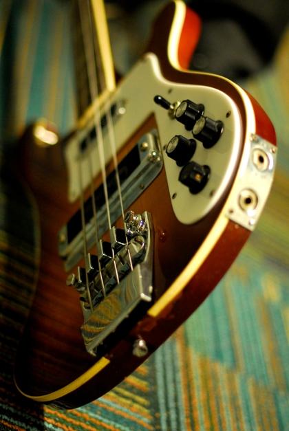 bass guitars rickenbacker 2592x3872 wallpaper High Quality Wallpapers 420x627