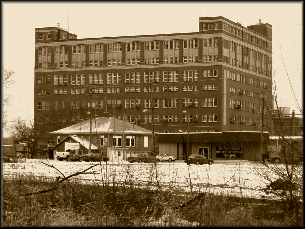 Former Nabisco Plant Located in MarseillesIL Taken from t Flickr 1024x768