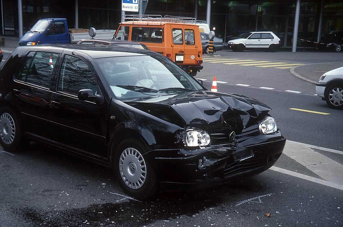 WALLPAPERS CAR ACCIDENTS 1183x784