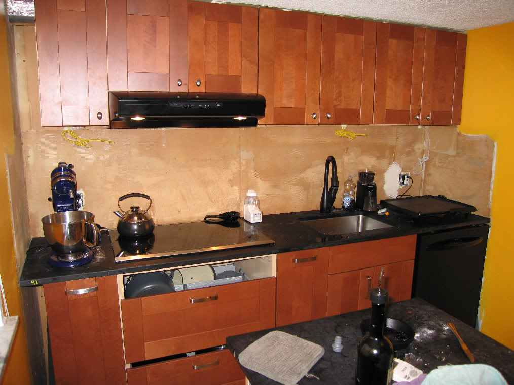 backsplash wallpapers for kitchen 1014x760