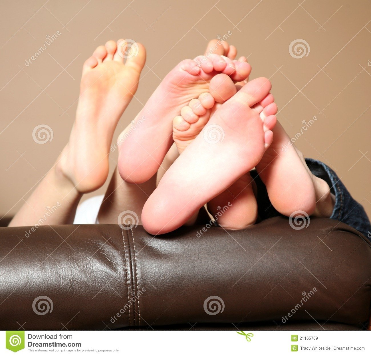 Little Kids Bare Feet Soles PC Android iPhone and iPad Wallpapers 1300x1247