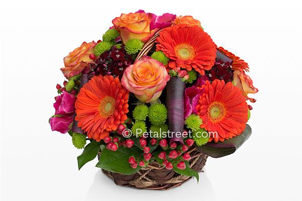 Flower Arrangements httpwwwpetalstreetcomfall flowers 5html 600x400