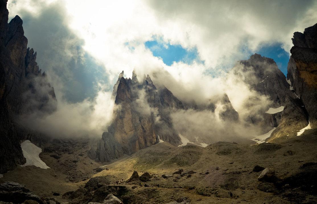 Misty Mountain Wallpaper