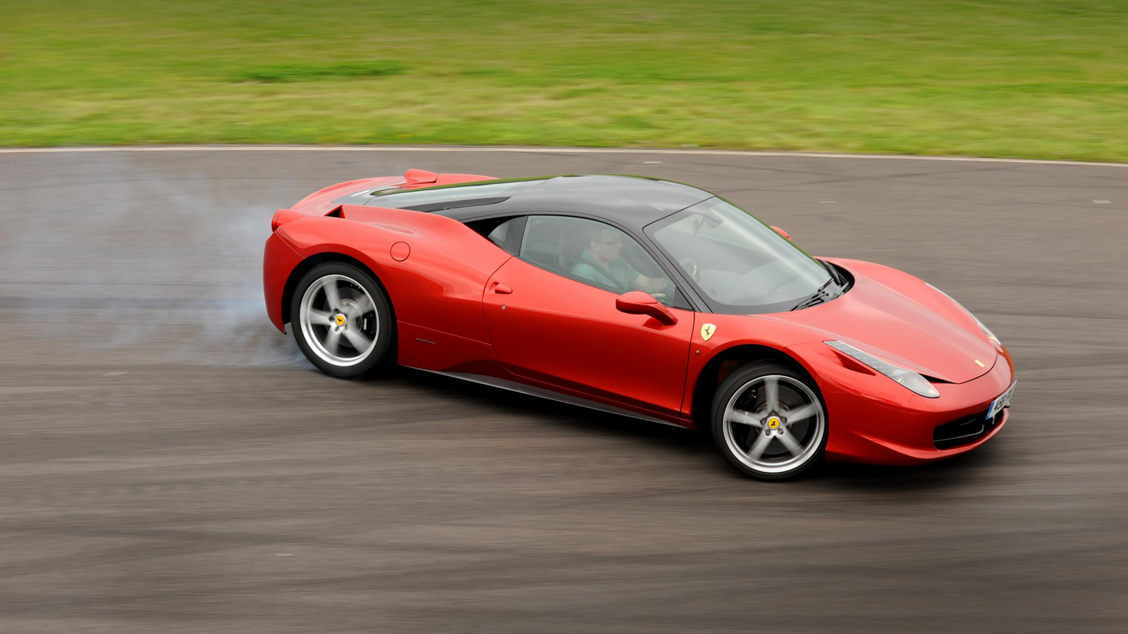 Ferrari 458 Italia Wallpaper 1600x900
