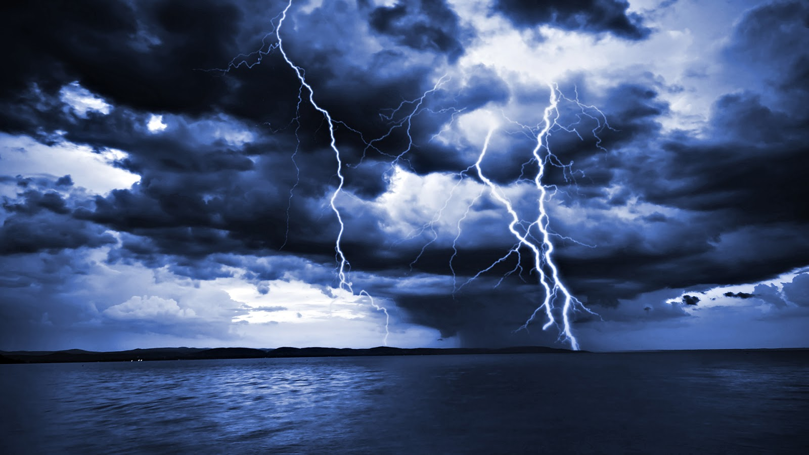 sky lightning wallpapers hd 1600x900