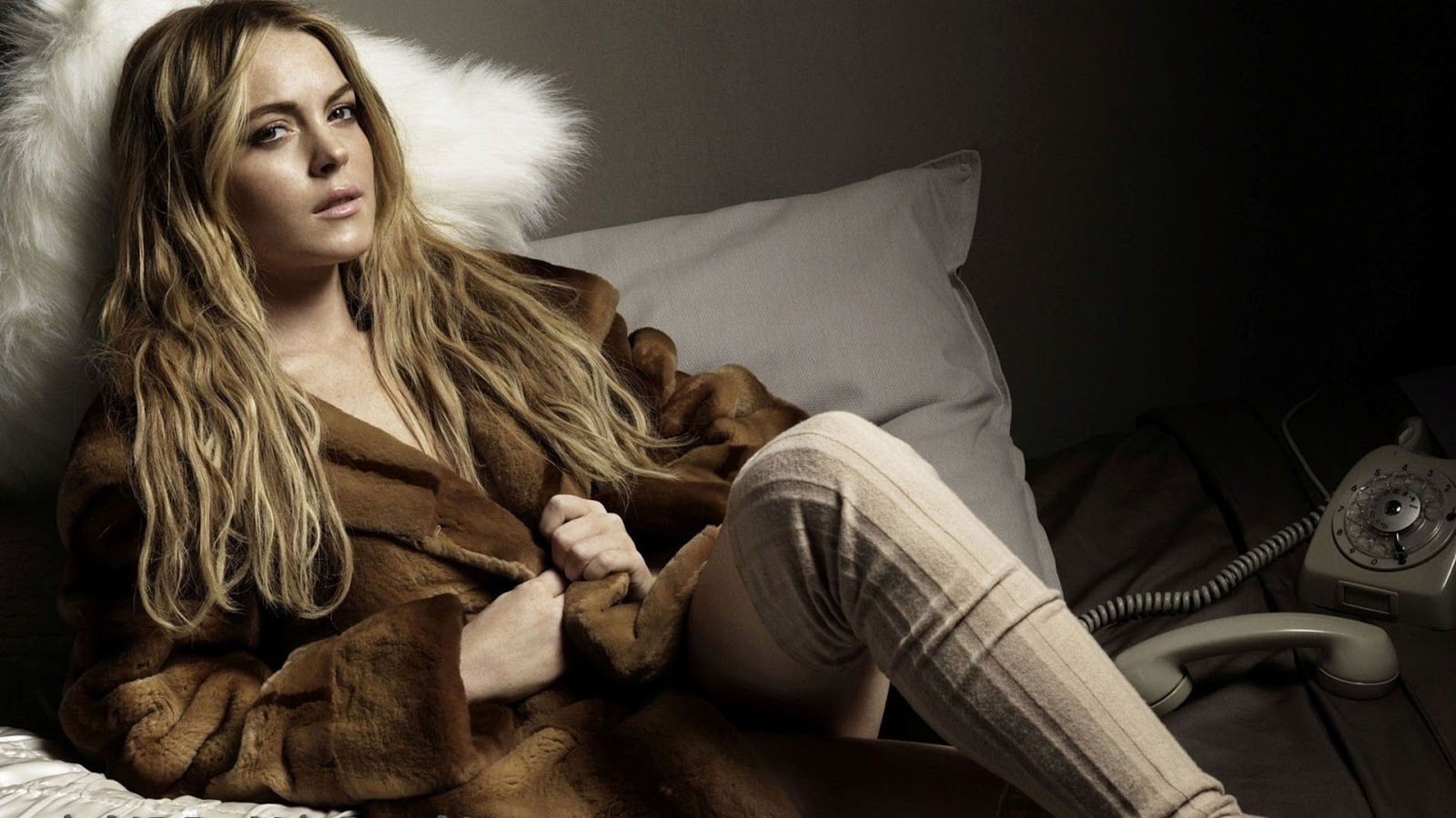 Like Every Body Naomi Watts hd New Nice Wallpapers 2013 1600x900