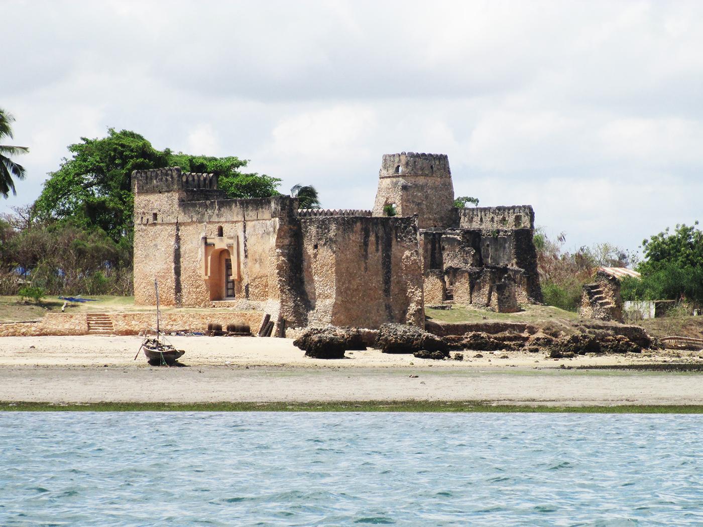 2 days Kilwa Kisiwani ruins and Songo Mnara ruins Tomodachi 1400x1050