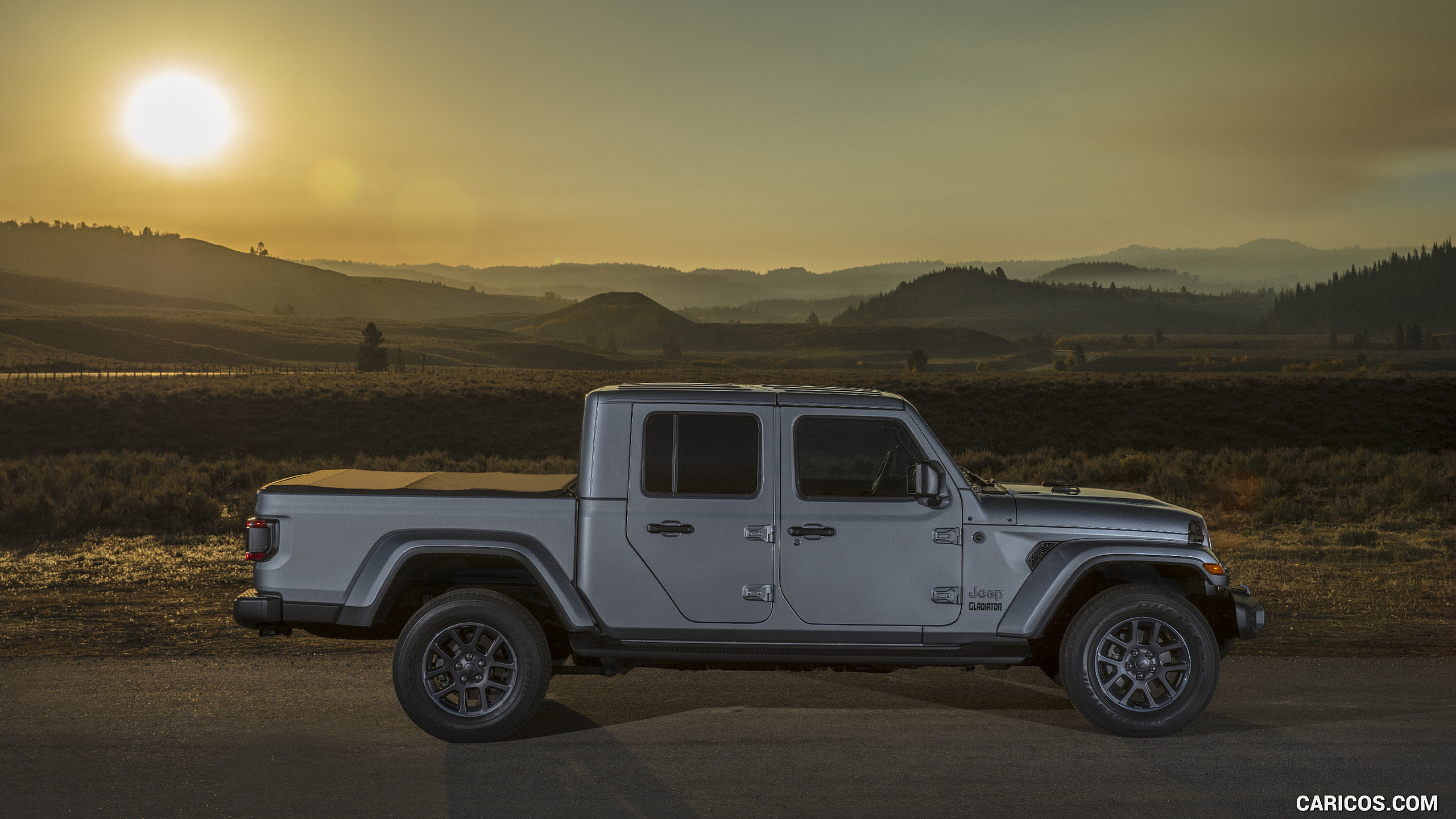 2020 Jeep Gladiator Overland   Side HD Wallpaper 194 2560x1440
