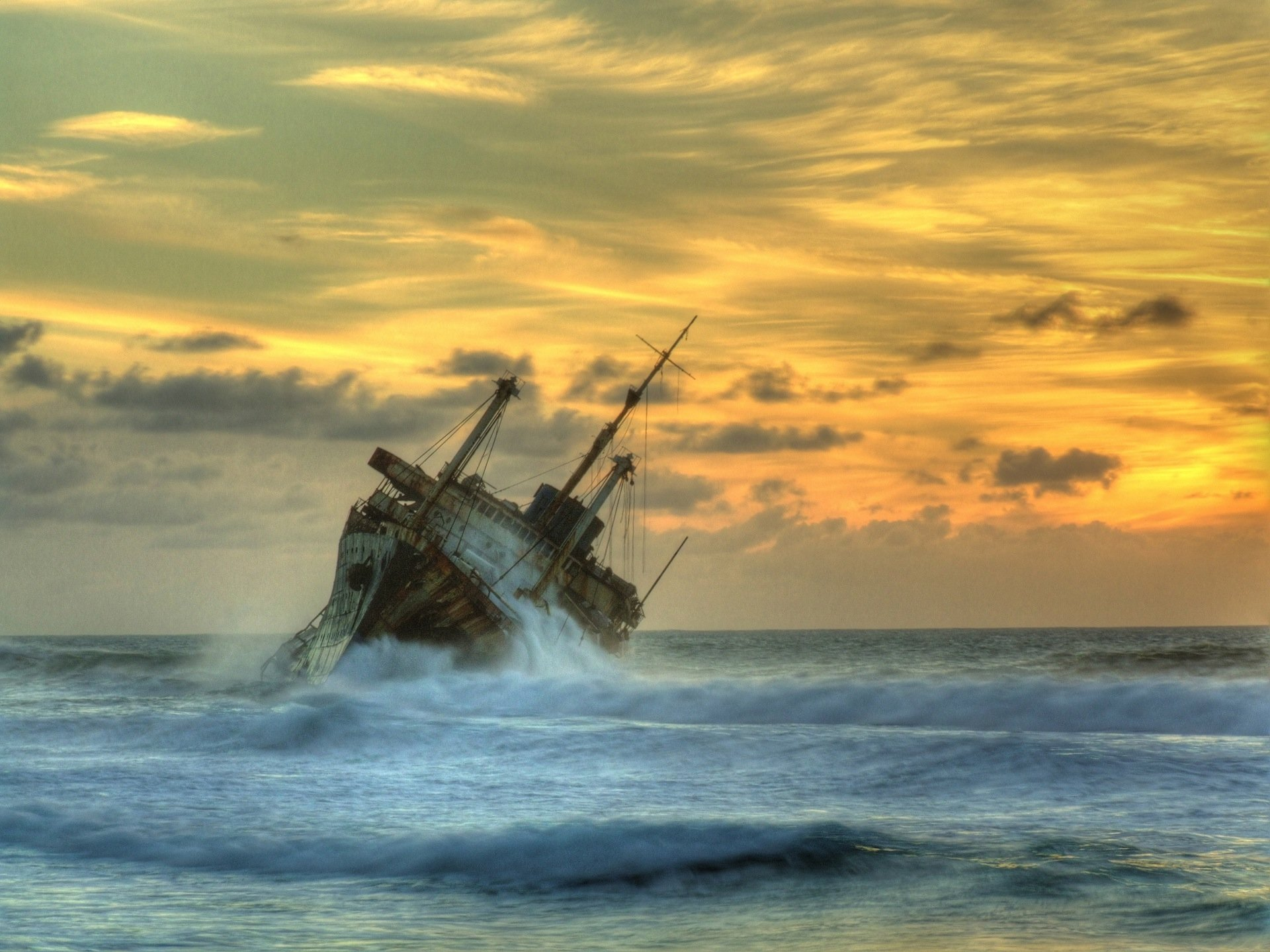 Shipwreck American Star HD Wallpaper Background Image 1920x1439
