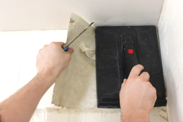 DIY wallpaper removal with tips and tricks on this blog includes what 640x427