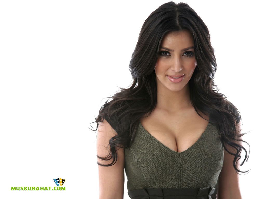 Kim Kardashian Desktop Wallpaper 26421 Hollywood 1024x768