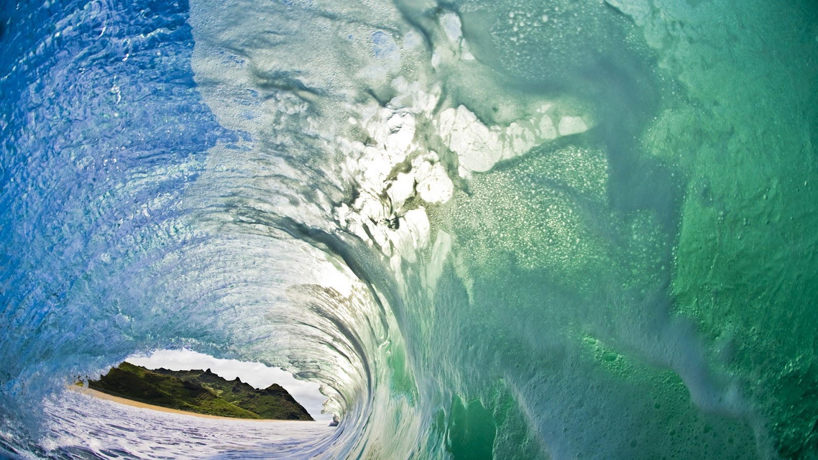 Download Ocean Waves Wallpapers Most beautiful places in the 1600x900