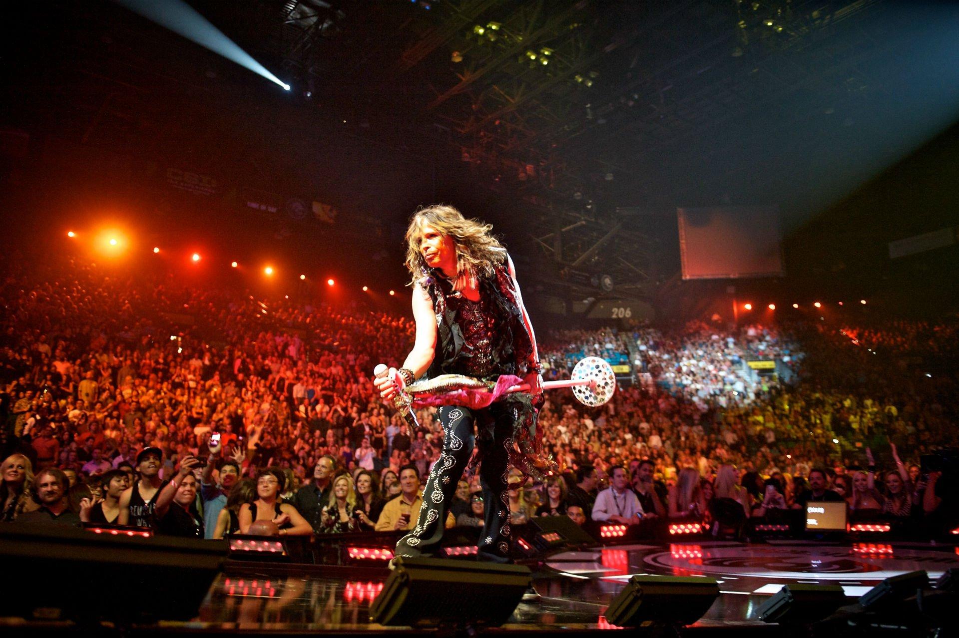 aerosmith steven tyler hard rock concert crowd stage light stars 1920x1278