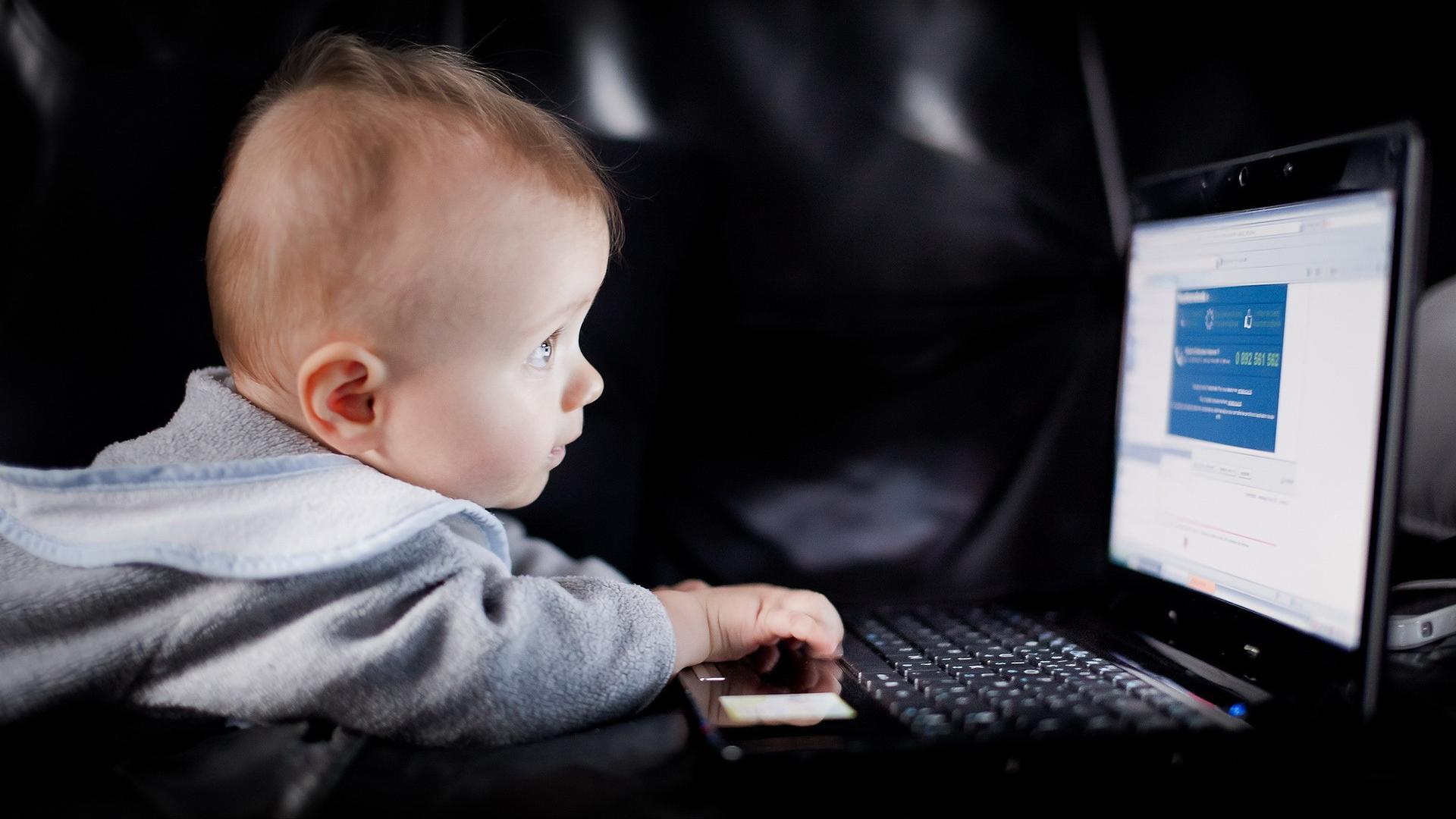 Baby Boy Wallpaper Hd Background Desktop   Wall Paper HD 1920x1080