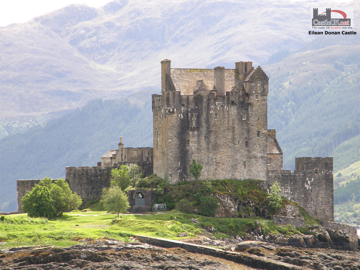 Download Eilean Donan Castle Computer Desktop PC Wallpaper 1152x864