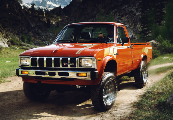 Wallpapers of Toyota SR5 Long Sport Truck 4WD RN48 198283 575x400