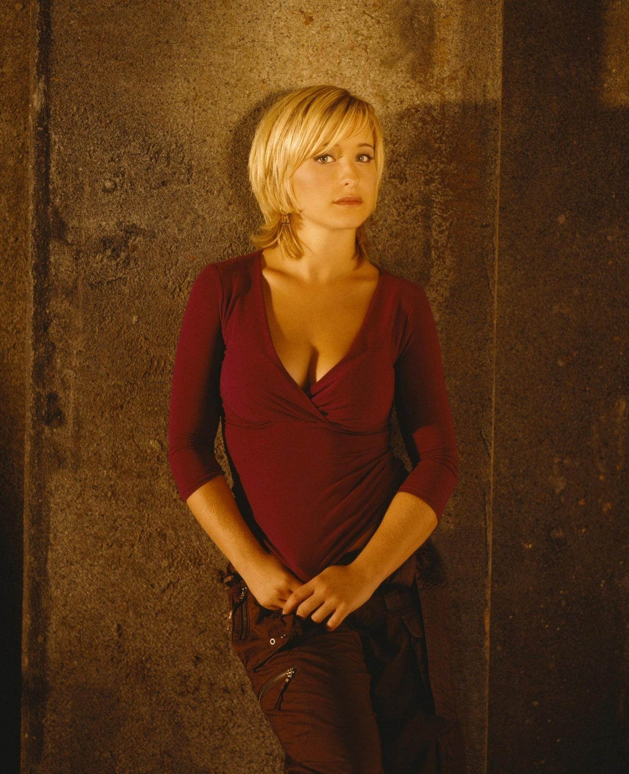 Allison Mack wallpapers 1193 Best Allison Mack pictures 1280x1575