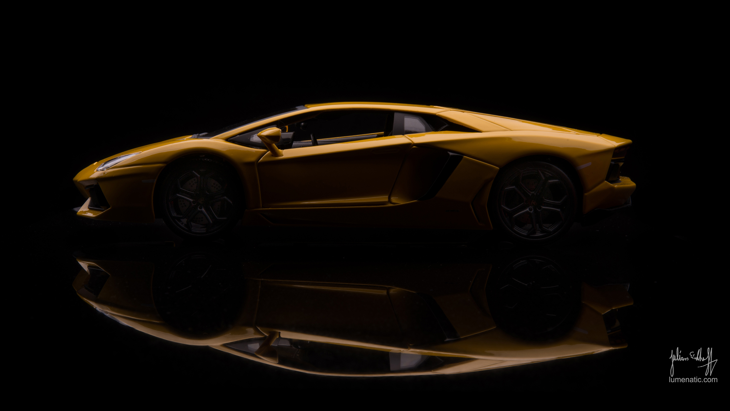 Gold Car Wallpapers: [43+] 2560 X 1440 Wallpaper On WallpaperSafari