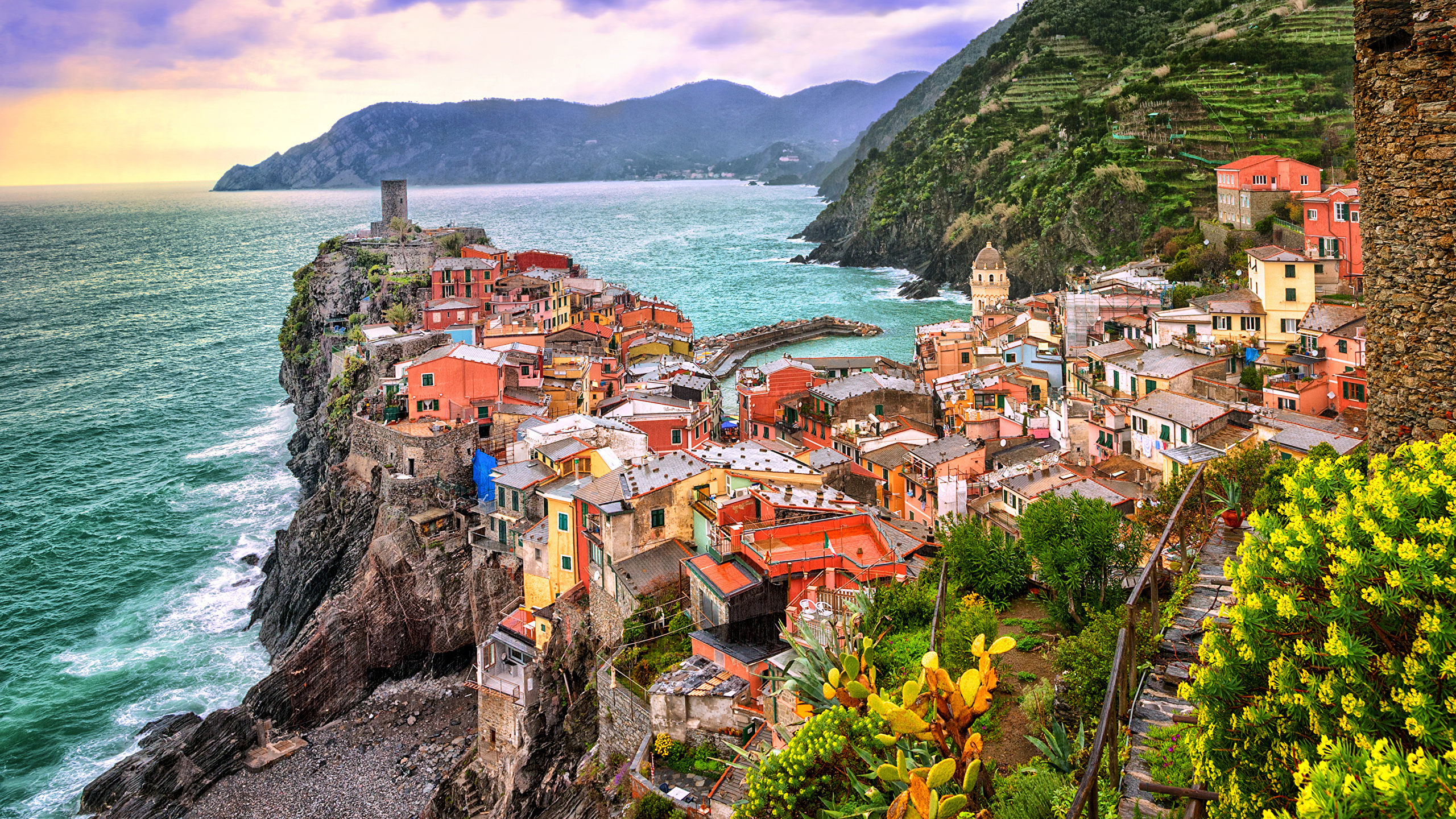 Image Liguria Vernazza Cinque Terre park Italy Cliff Bay 2560x1440 2560x1440