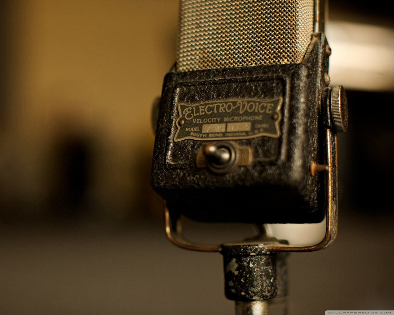 Vintage Microphone Wallpaper   Music Wallpaper 28520386 1280x1024