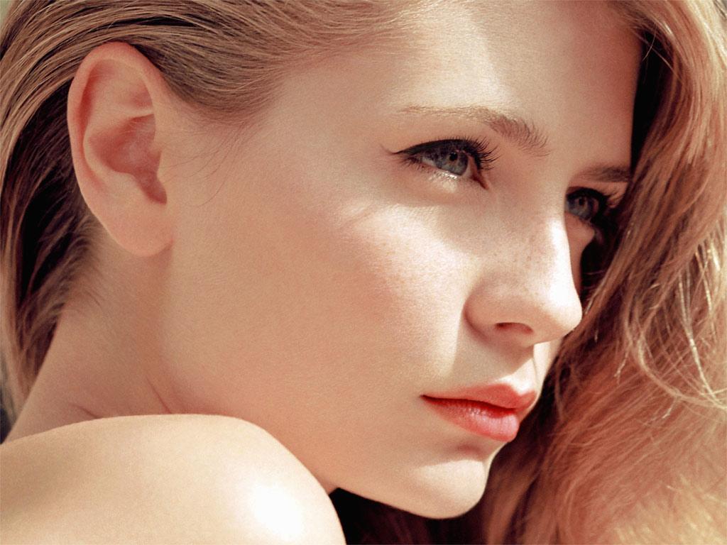 WEB WALLPAPERS PK Hollywood Hot Actress Wallpapers 1024x768