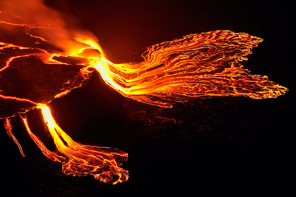 Nyiragongo Crater Journey to the Center of the World   Photos 990x659