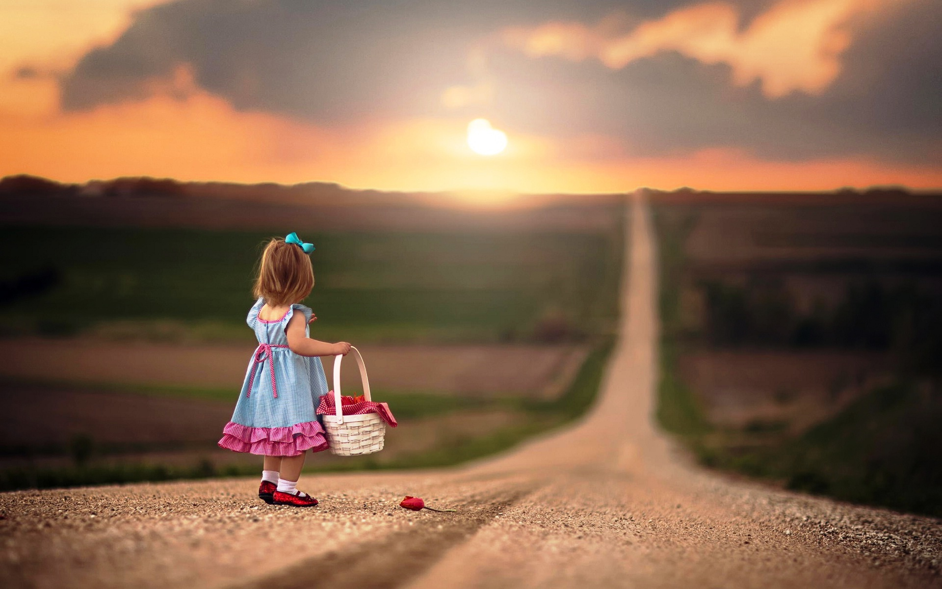 Free Download Very Small Girl On The Lonely Road Latest Hd