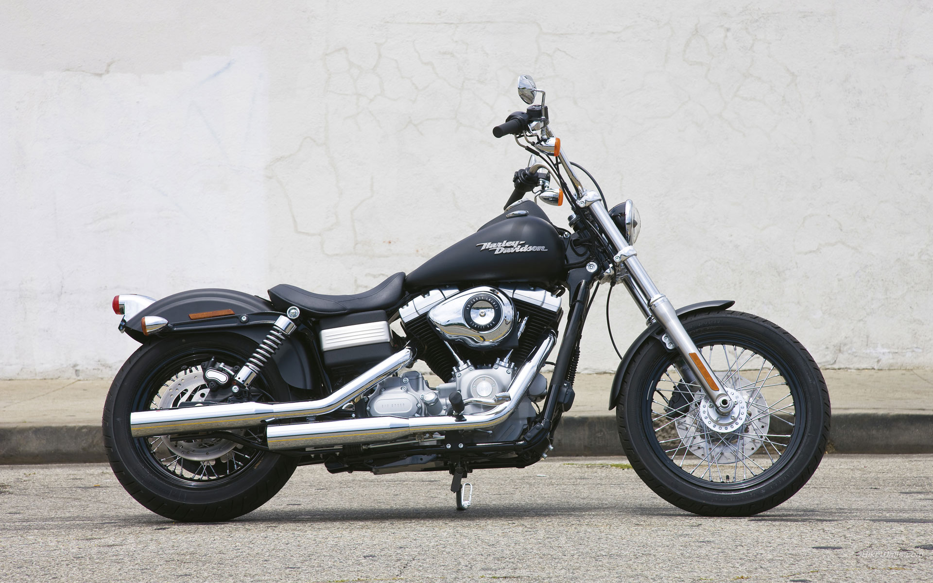 Harley Davidson Street Bob Wallpaper