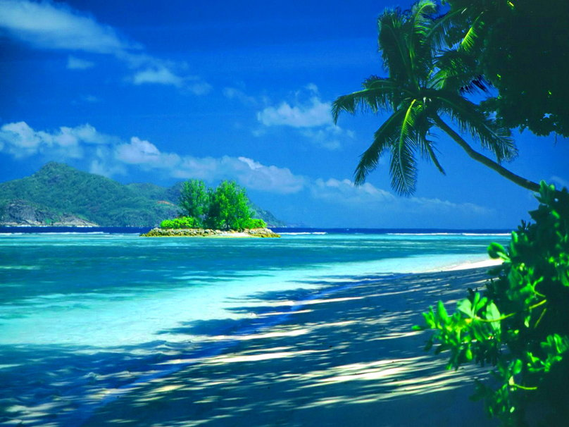 Tropical Beach Screensavers And Wallpaper: Tropical Island Backgrounds