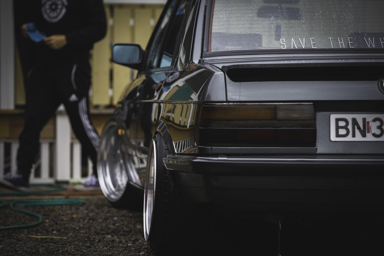 Black and gray golf club set BMW E28 Stance Stanceworks 5760x3840