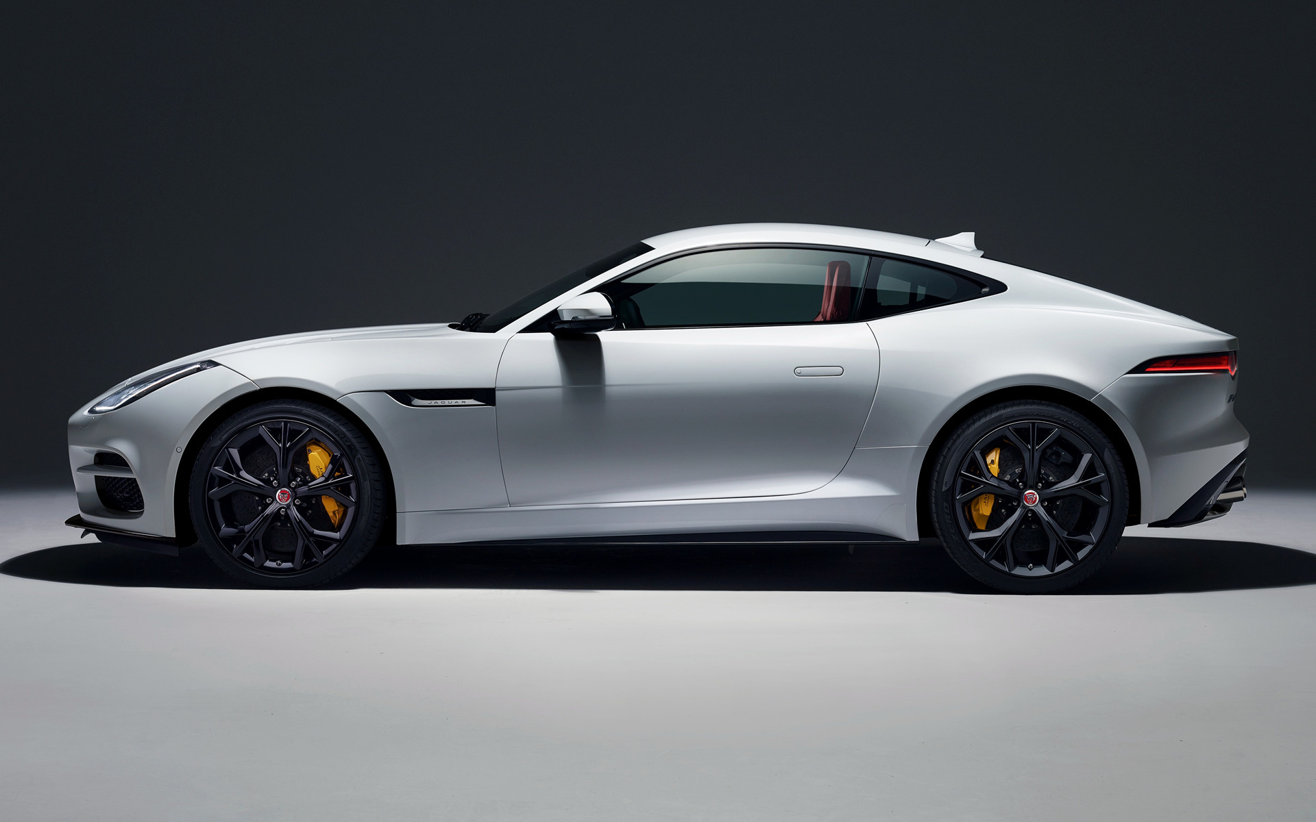 33 Jaguar F Type R Wallpapers On Wallpapersafari